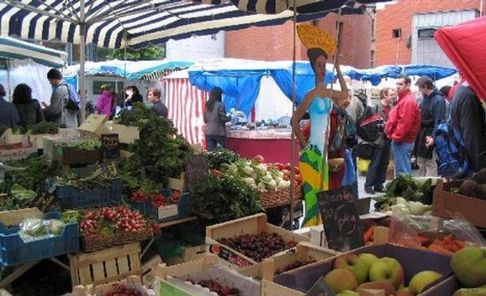 At weekends, the square plays host to Dublin's farmer market.