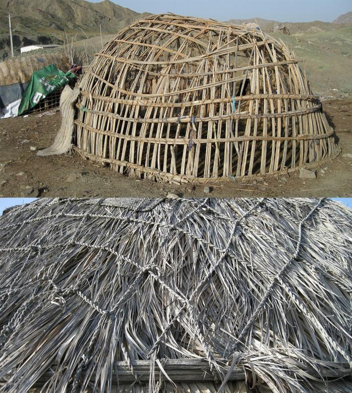 Mesh structure of the shelter made of palm stems